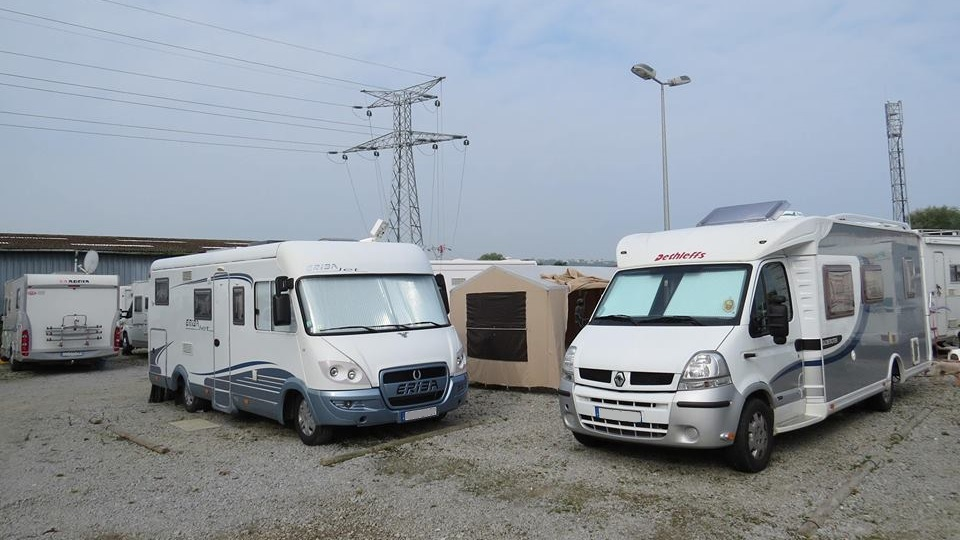 Groupe de camping-cars